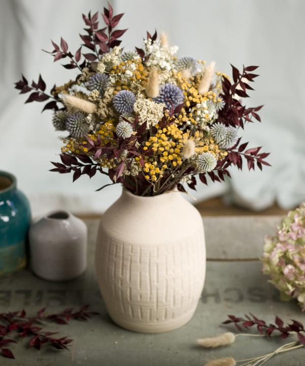 Ručne točená hlinená váza Heaven s nekonečnou kyticou Blue Monday