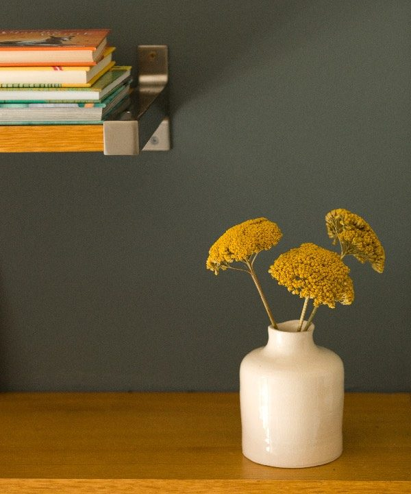 """Ručne """"točená"""" kameninová váza Dream so sošenými kvetmi"""