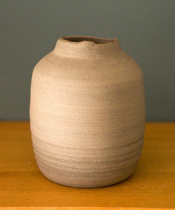 Ručne robená kameninová váza Grey detail