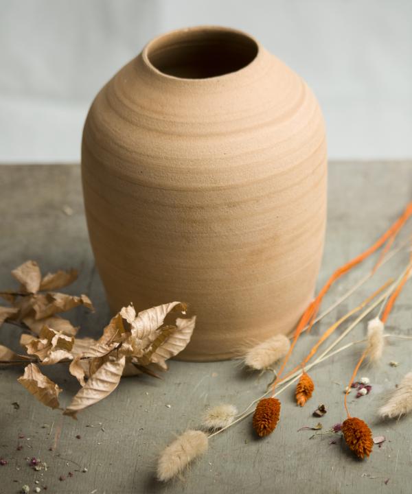 Ručne točená hlinená váza Terra