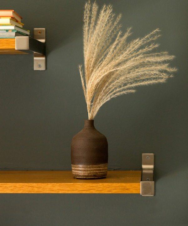 Ručne vyrábaná váza Pampas s pampasovou trávou